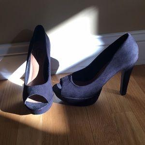 Black open-toed pumps